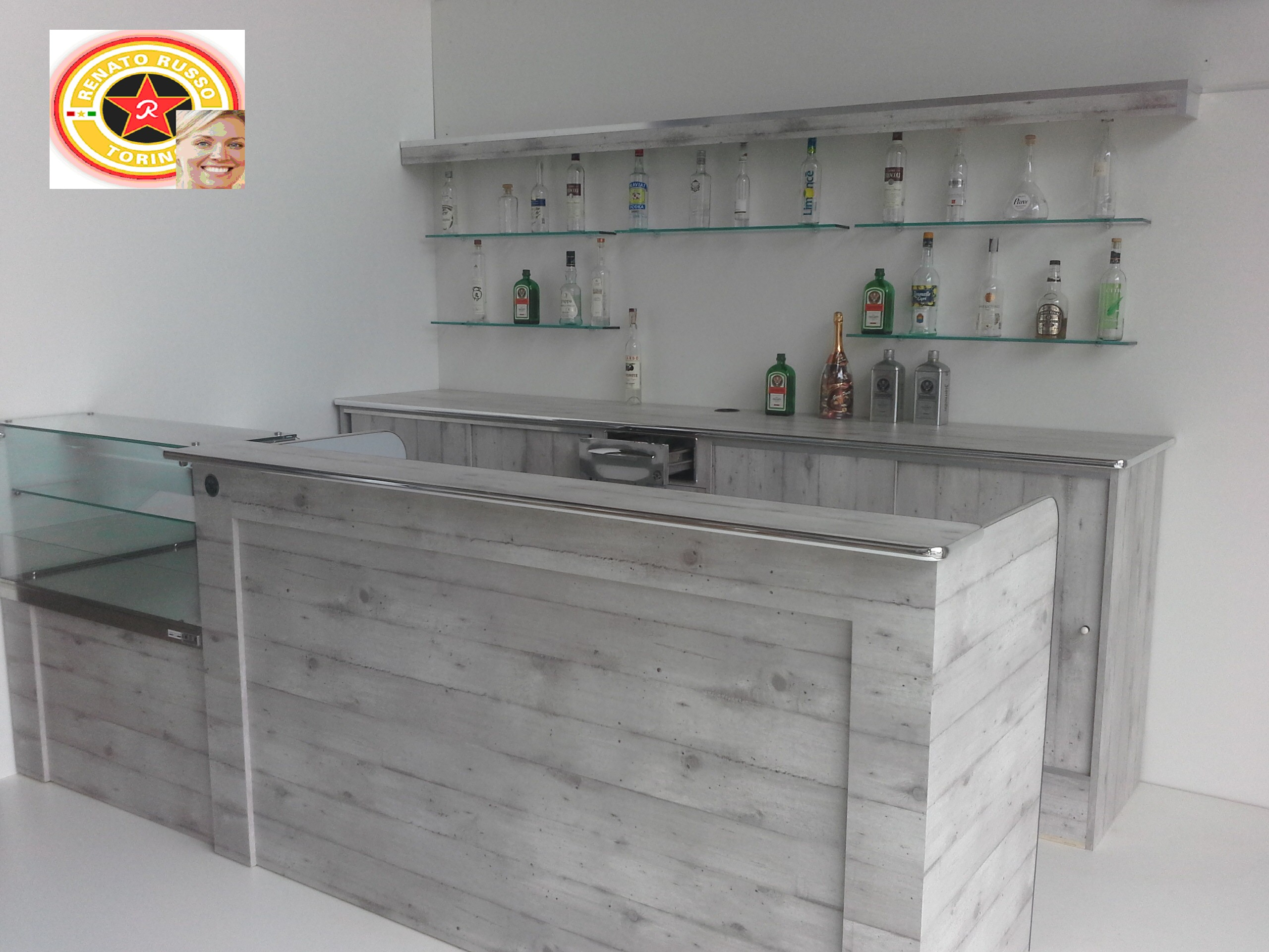 Banchi bar liguria compra in fabbrica vedi i prezzi dei for Arredamenti bar prezzi